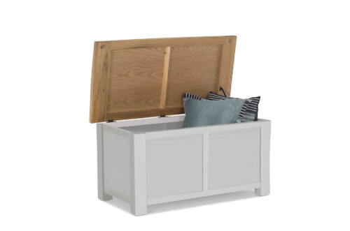 Amberly Blanket Box - Open